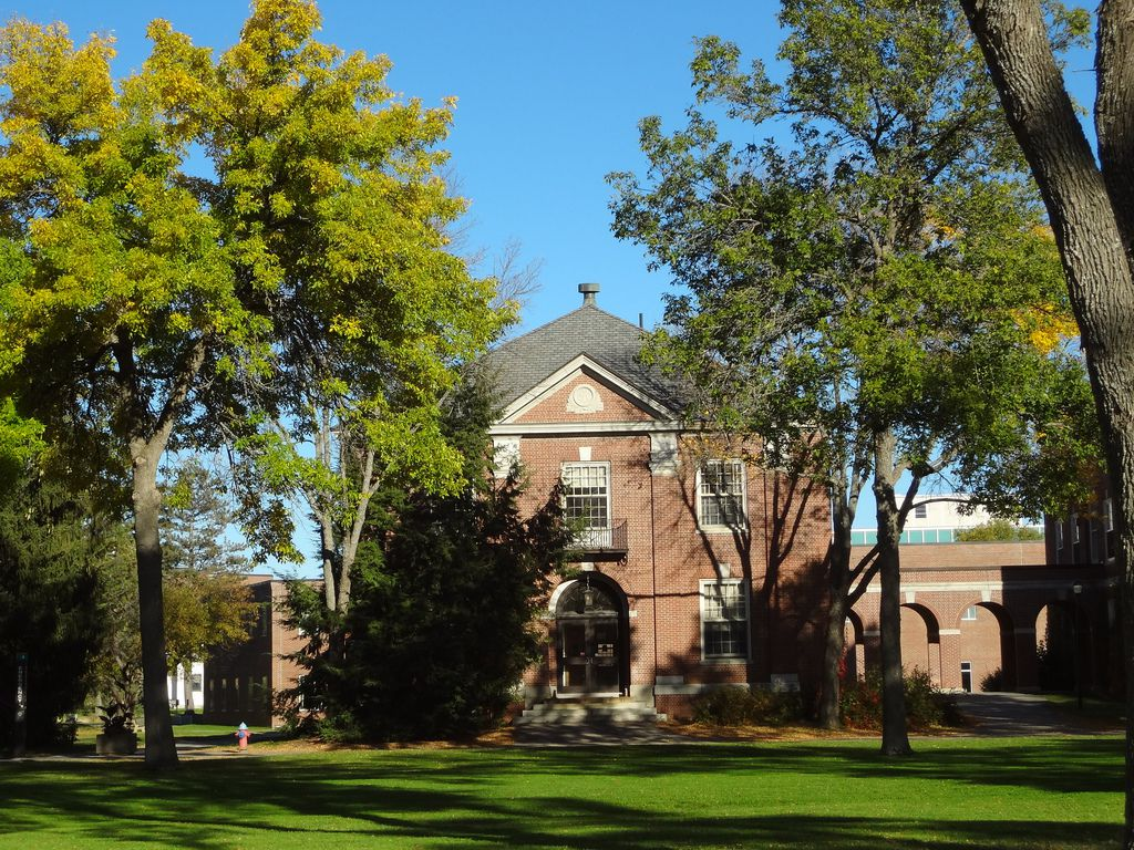 rhode island college application essay Application deadlines transfer information a required essay transferring from community or junior college community college of rhode island & providence.