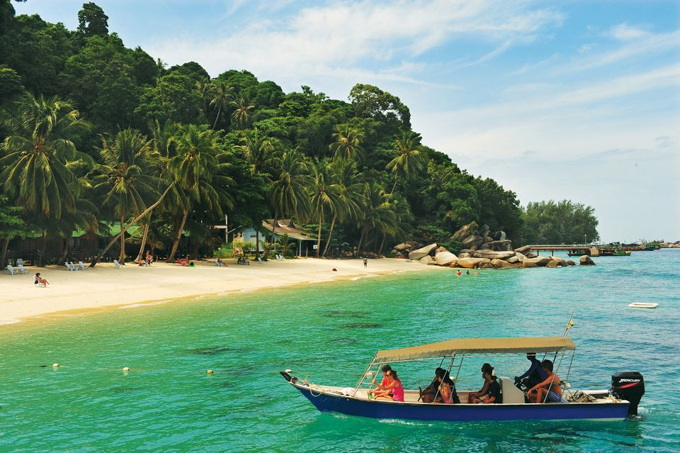 Boat approaching Perhentian Besar, Malaysia