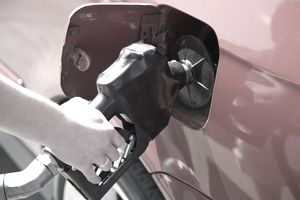 gas pumping determines oil prices