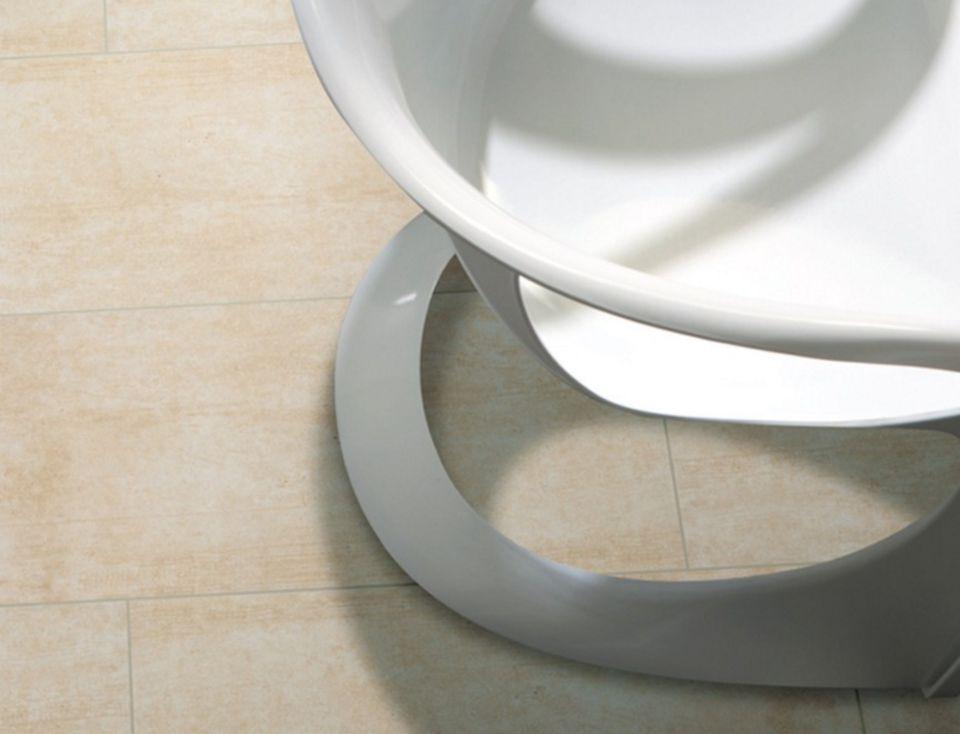 A closeup of Eleganza Neutra Rectified Tile