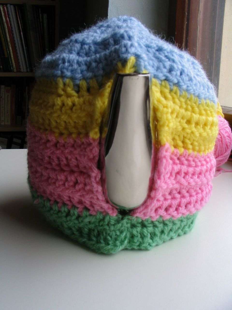 14 free tea cozy crochet patterns straightforward tea cozy free crochet pattern bankloansurffo Choice Image
