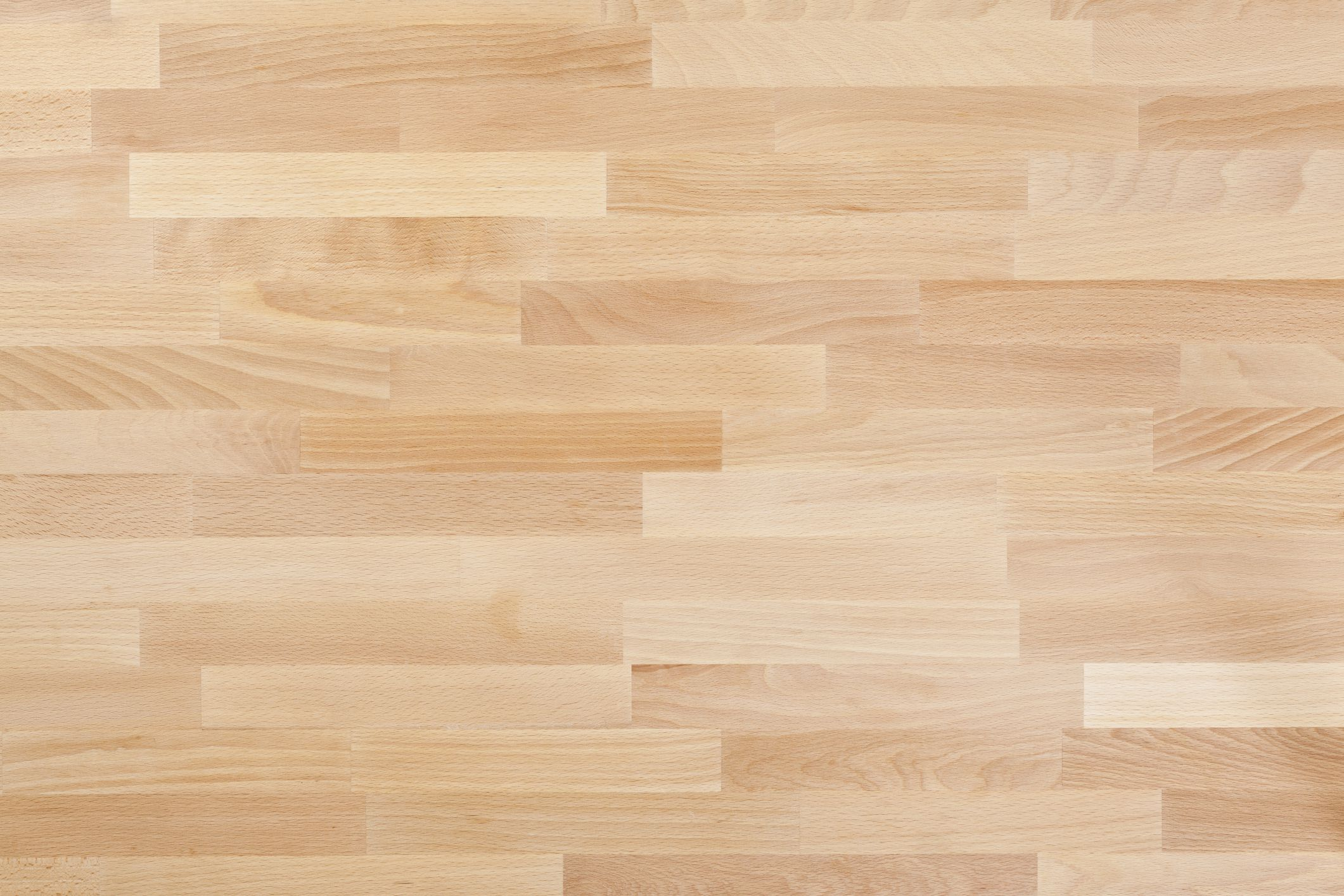 Does laminate flooring scratch easily for 1 floor