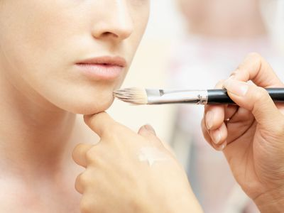 5 tips on stage makeup mistakes to avoid