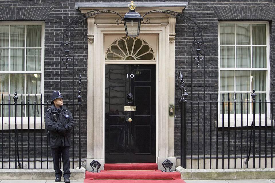 Policeman At No. 10 Downing Street, UK