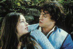 Anne Hathaway Hugh Dancy Ella Enchanted