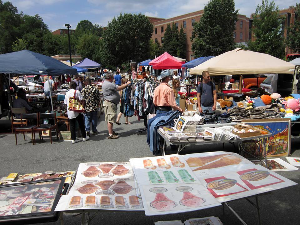 Sunday Flea Market in Georgetown