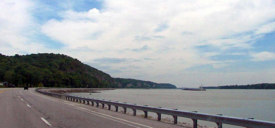 Alton's Great River Road