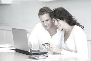 CoupleUsingCreditCard_ImageSource_DigitalVision.jpg