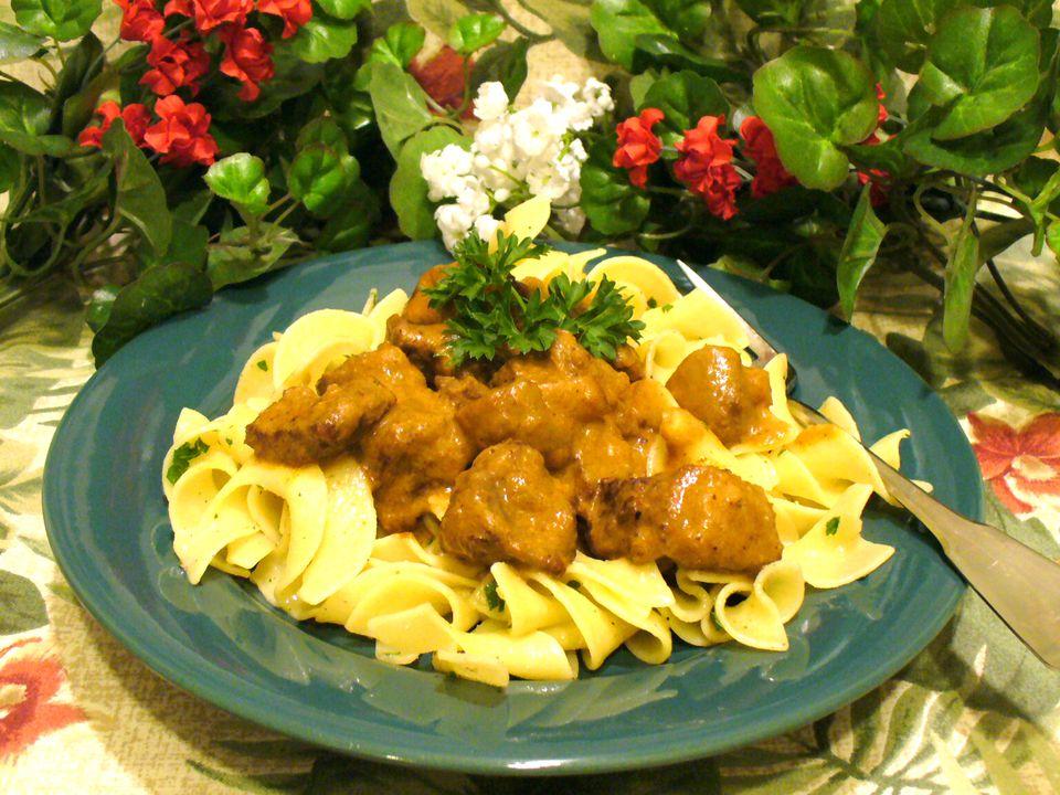 hungarian goulash recipe, beef, noodles, pasta, receipts