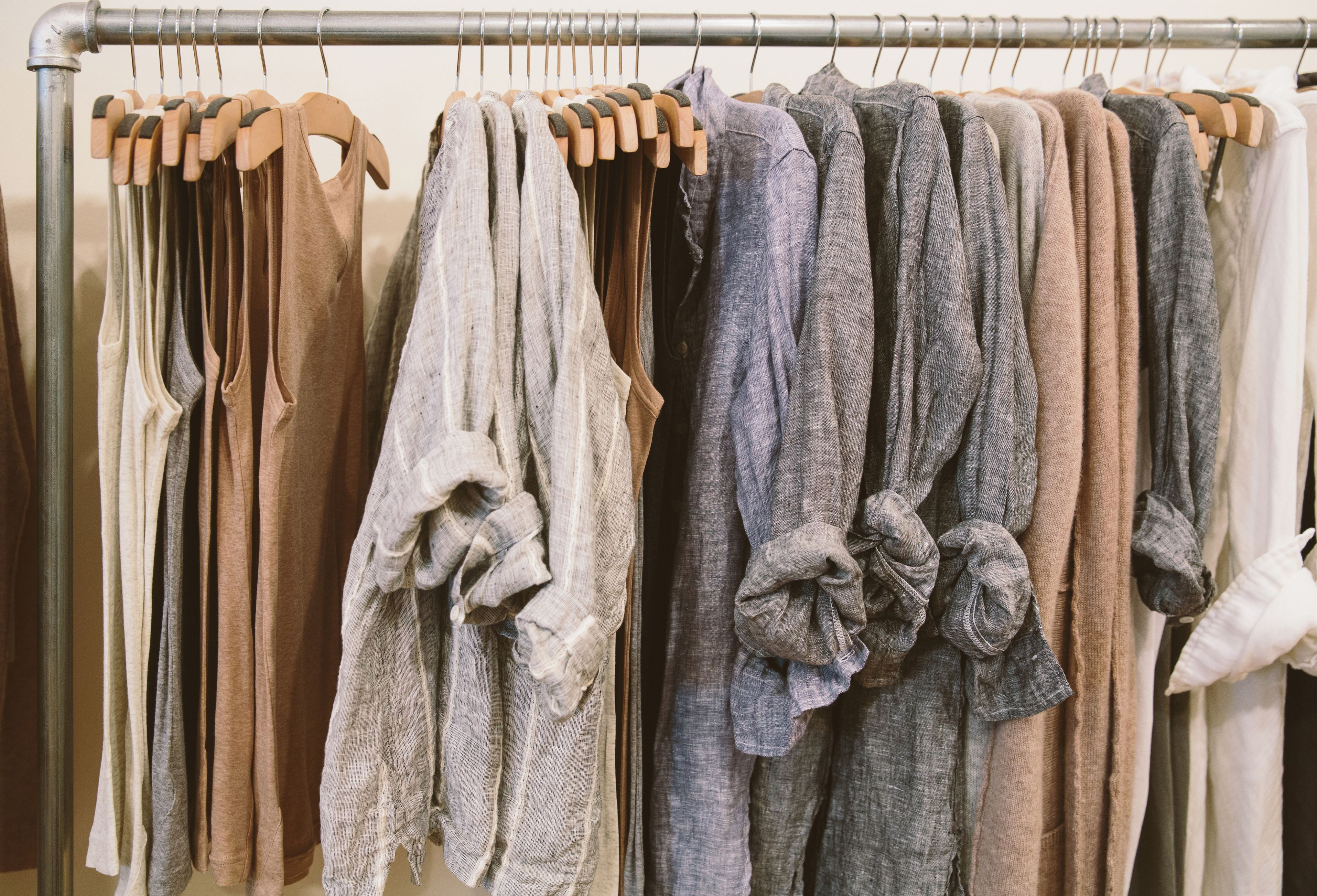 How to wash and remove stains on linen clothes - How to get exterior paint out of clothes ...
