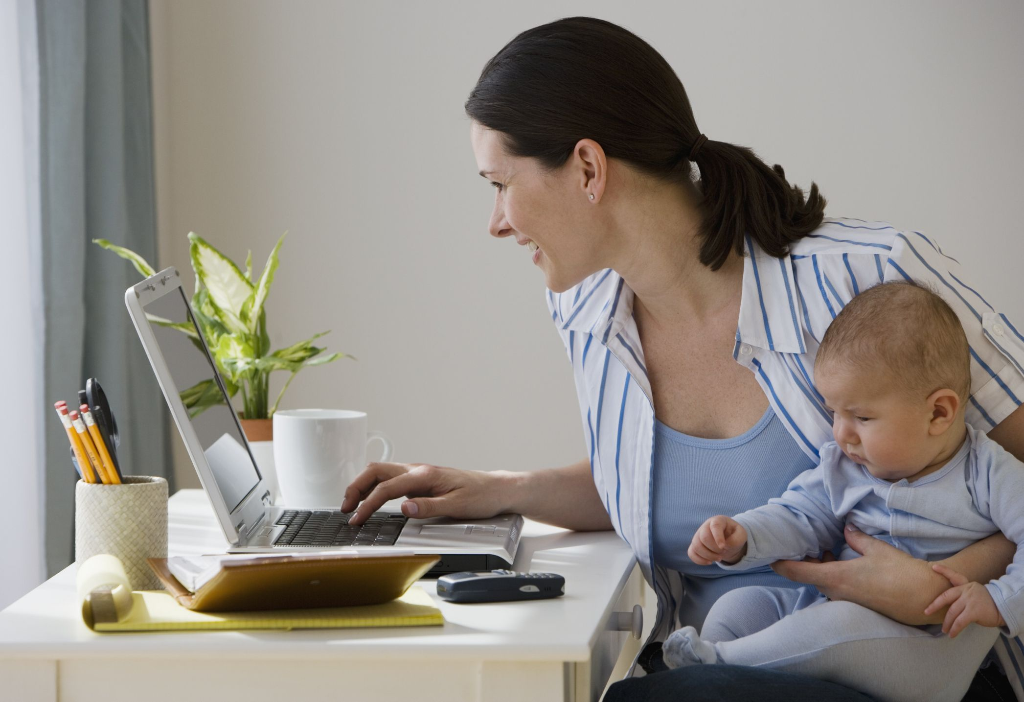 Resume Tips For Stay-at-Home Moms And Dads