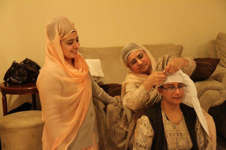 Learning to Tie Keski Turban
