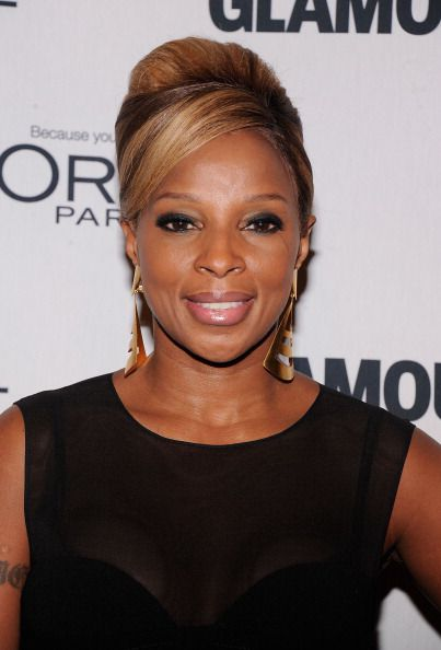Topknot and updo hair pictures mary j blige updo hairstyle pmusecretfo Gallery