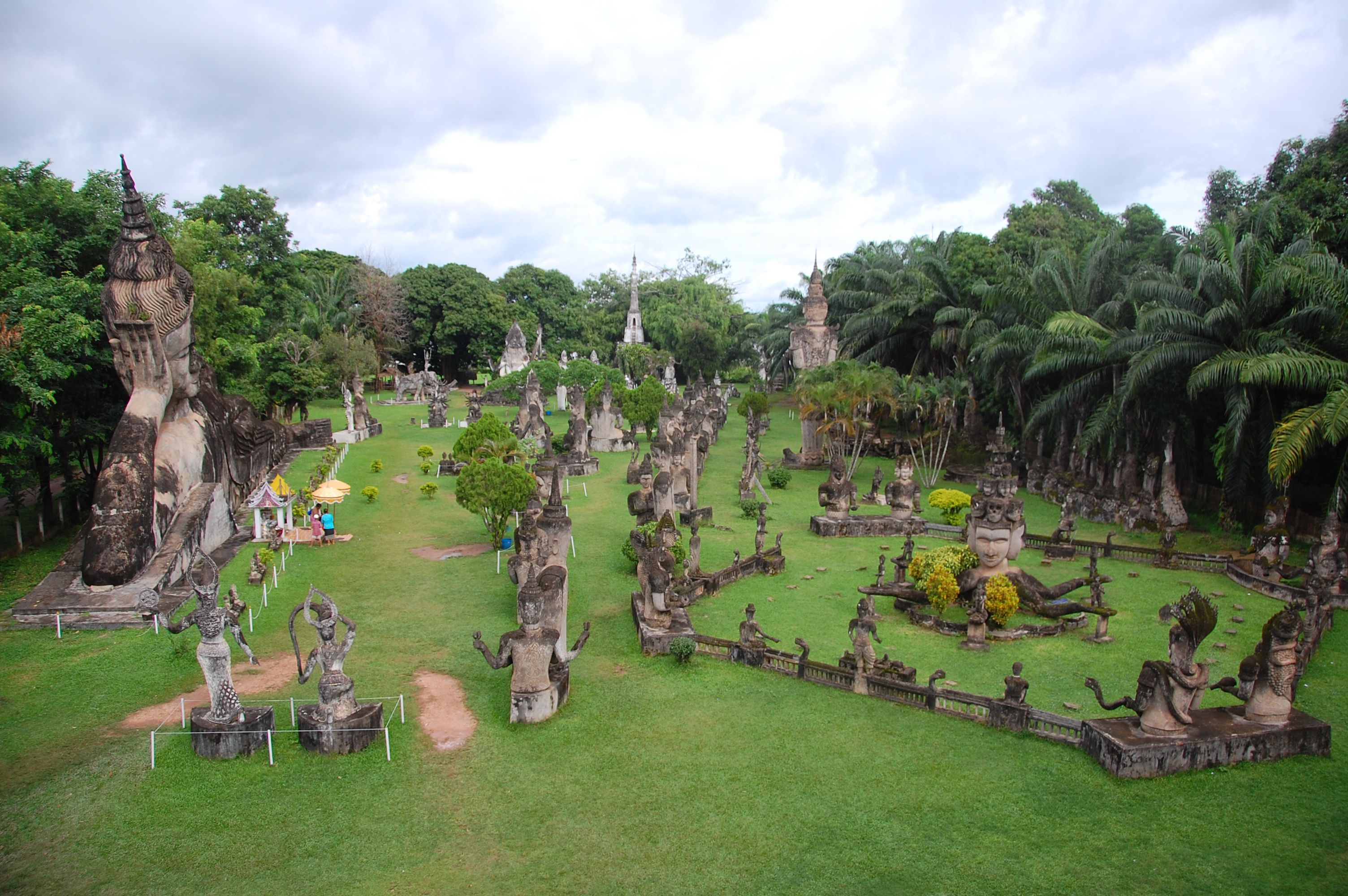 Visiting The Bizarre Xieng Khuan Buddha Park