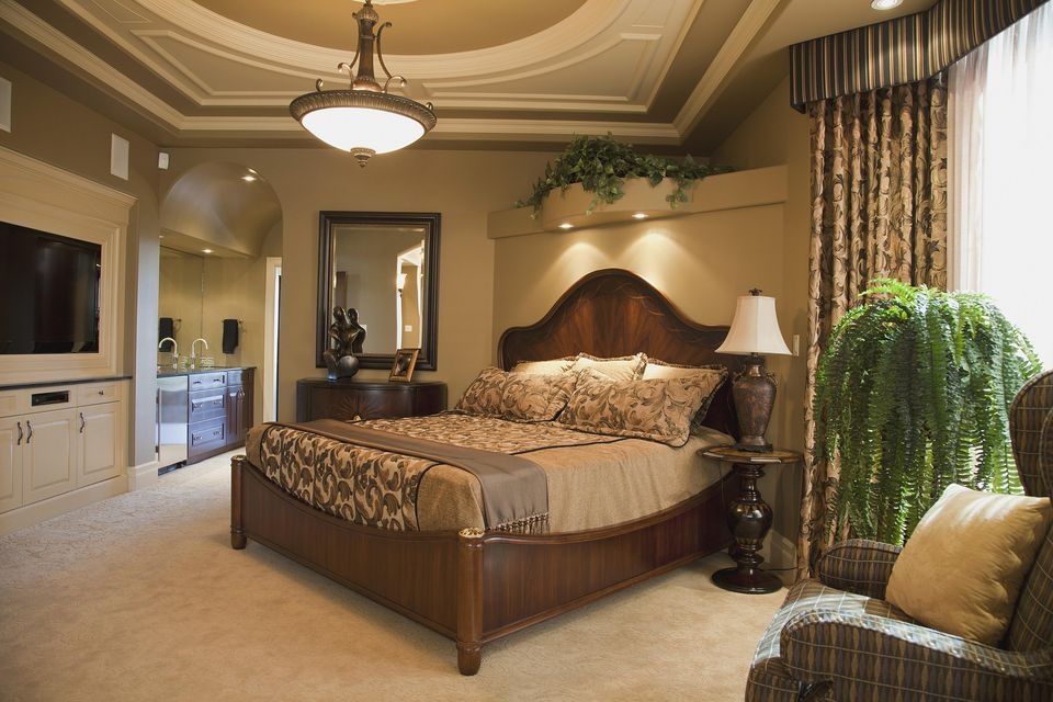 Tuscan bedroom decorating ideas and photos for Mediterranean style bedroom furniture