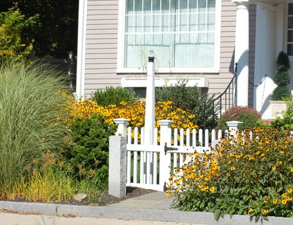 Fence line landscaping ideas for creative homeowners do you have to live in a cottage to grow a cottage garden landscaping ideas workwithnaturefo