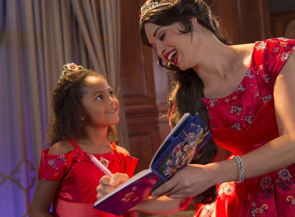Princess Elena of Avalor signs autographs