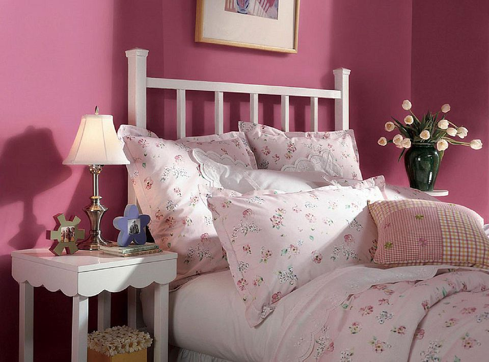 10 great pink and purple paint colors for the bedroom. Black Bedroom Furniture Sets. Home Design Ideas