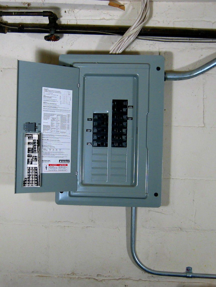 Definition of an electrical panel load center load center or service panel greentooth Gallery