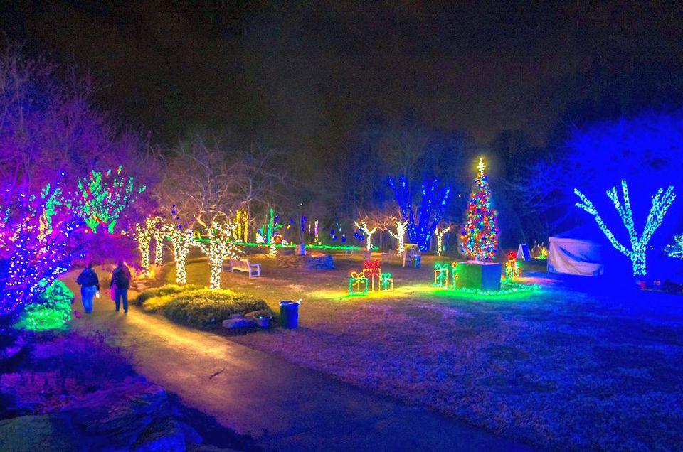 Meadowlark gardens christmas lights 2017 vienna va