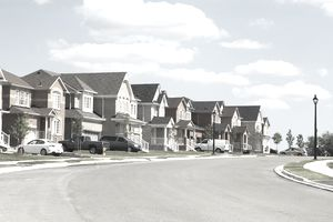 a row of houses in a suburban neighborhood