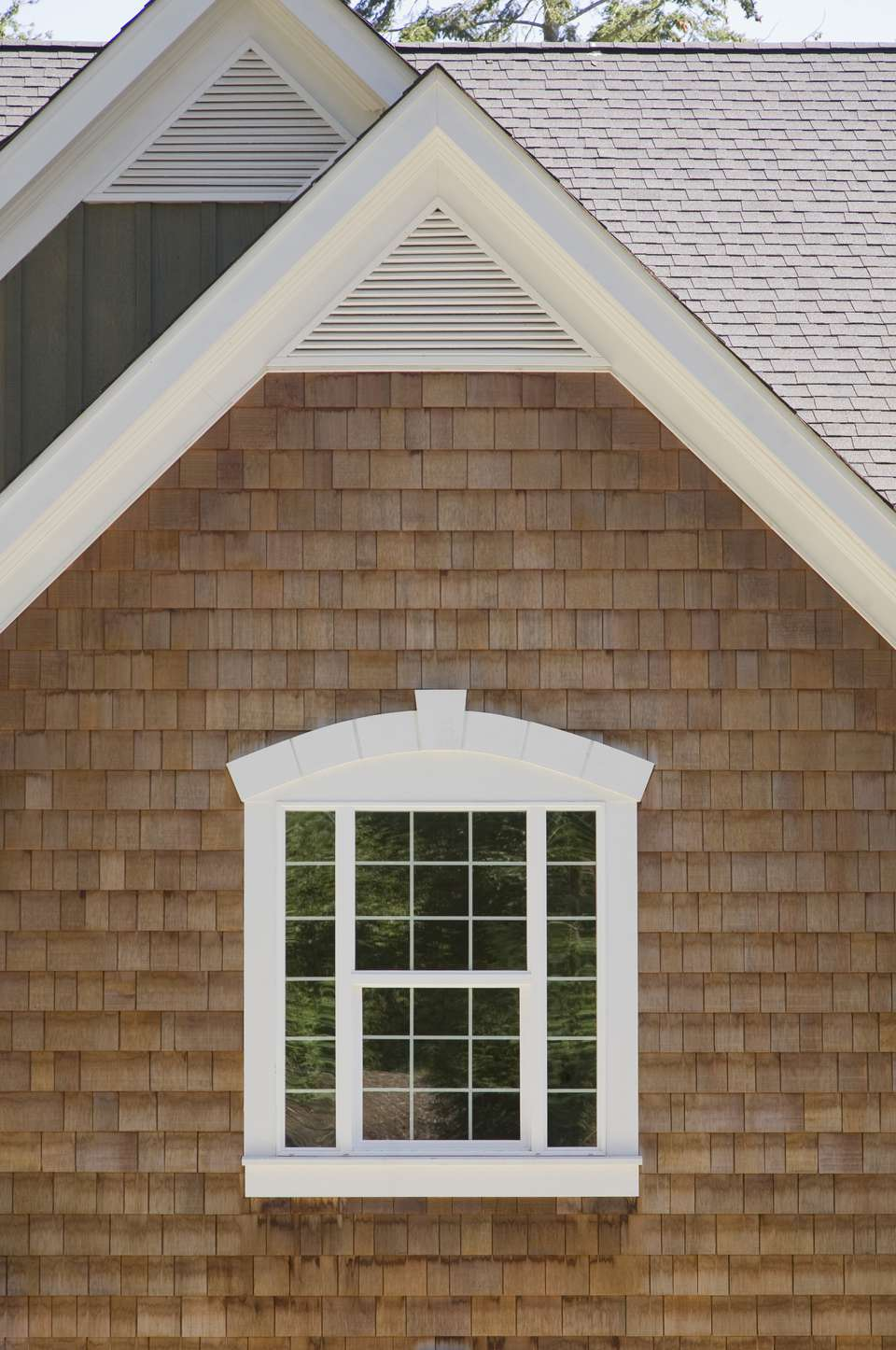 House siding options from plywood to vinyl for Types of siding