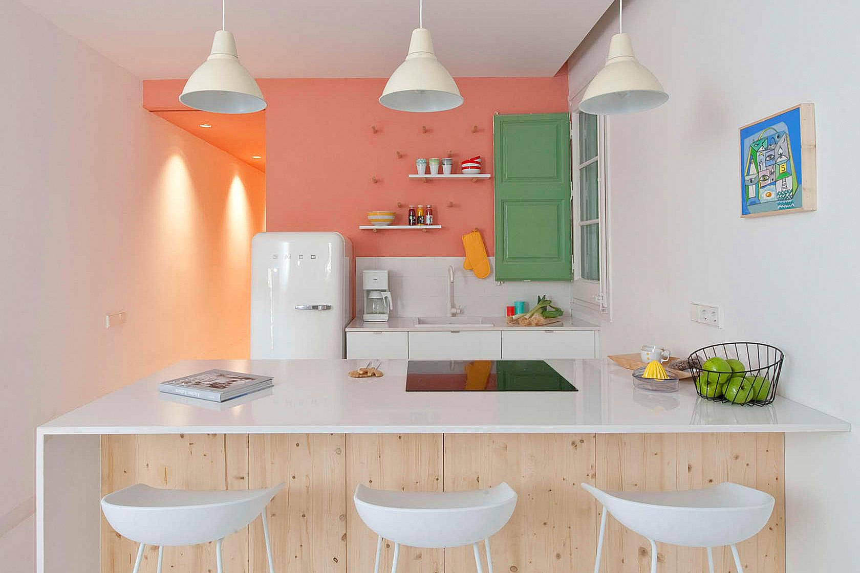 10 SpaceMaking Hacks for Small Kitchens