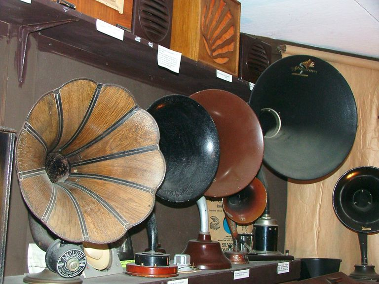 What makes a loud speaker loud?