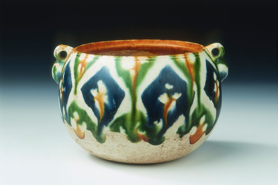 Wax resist pottery