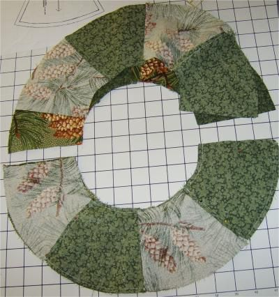 Lay out the pieces to sew a fabric wreath