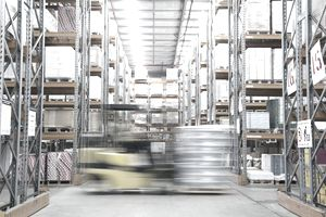 What is Supply Chain Management and What Are Retail Industry Examples?