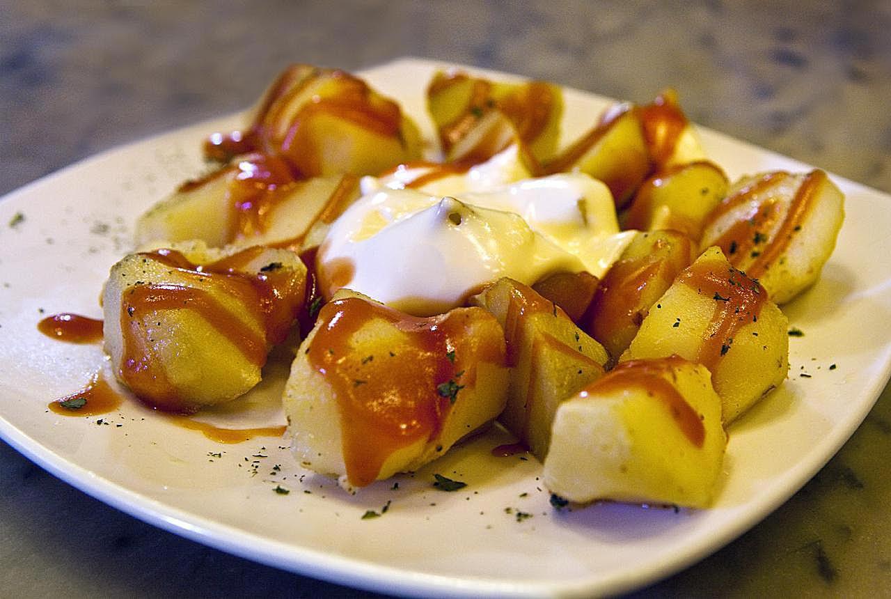 Make Spanish Patatas Bravas With This Easy Recipe