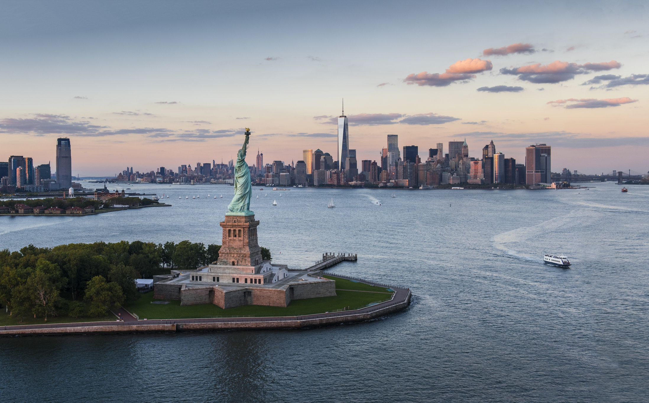 10 tips for visiting the statue of liberty the statue of liberty and ellis island what to know before you go things to do biocorpaavc