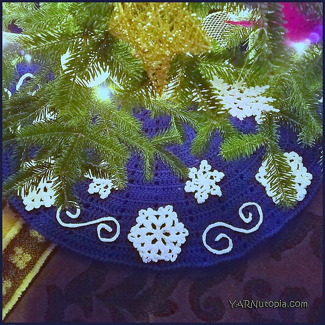 Fabulous Flurries Tree Skirt Free Crochet Pattern