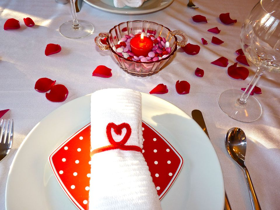 Red and White Table Decorations for Valentine's Day