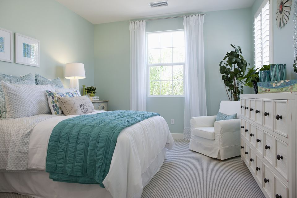 Green And White Shabby Chic Bedroom