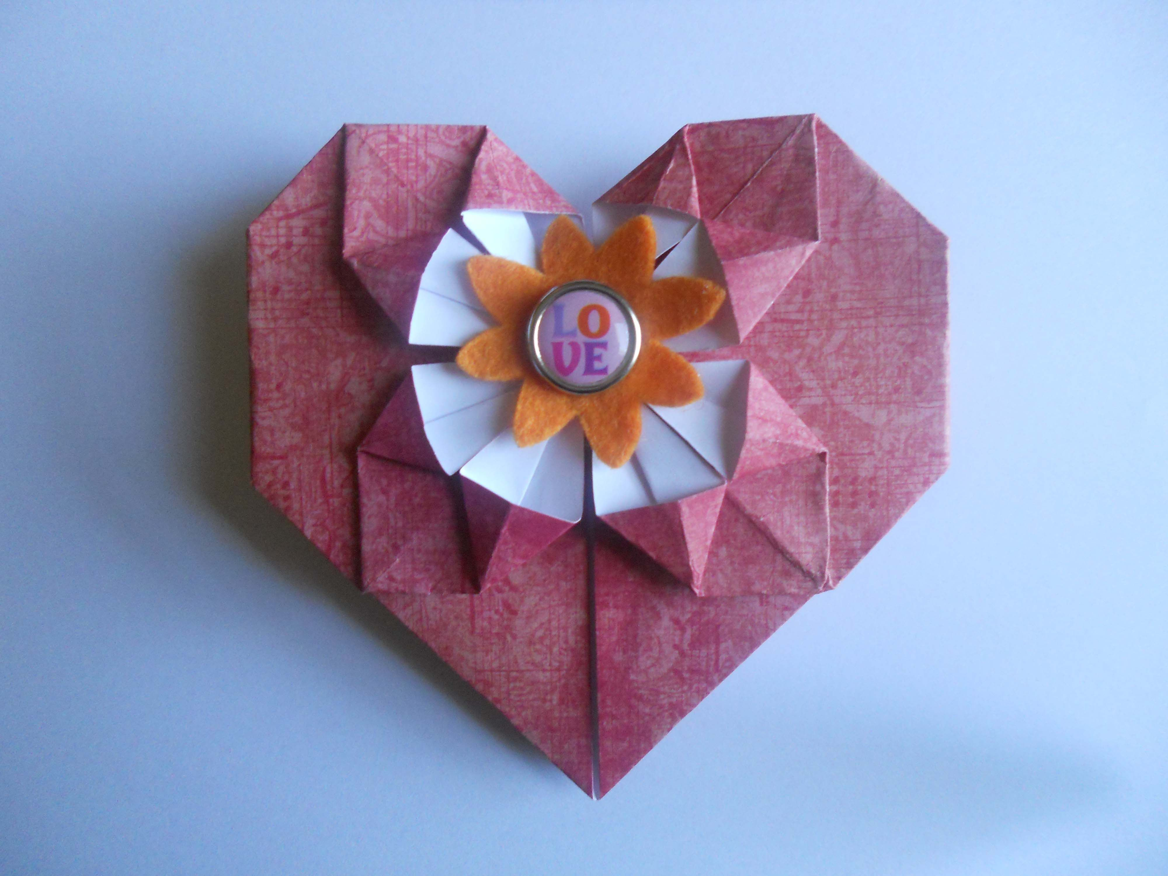 learn how to fold an origami heart