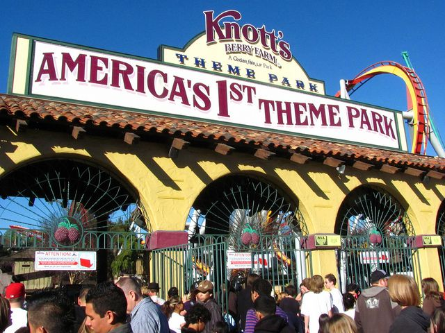 Knott's Berry Farm 001