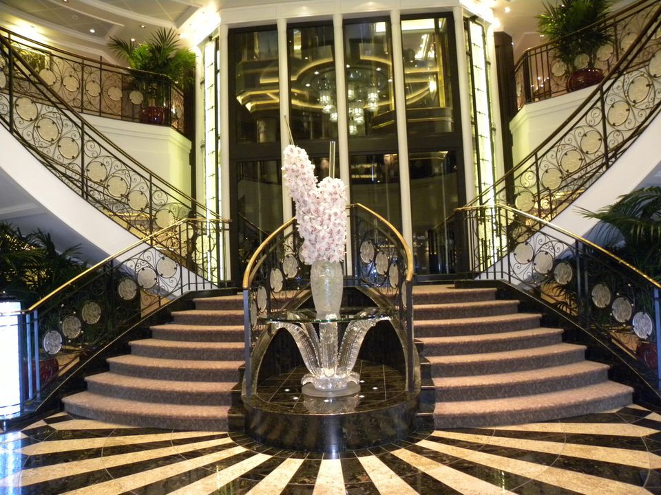 Oceania Marina Lobby and Lalique Grand Staircase