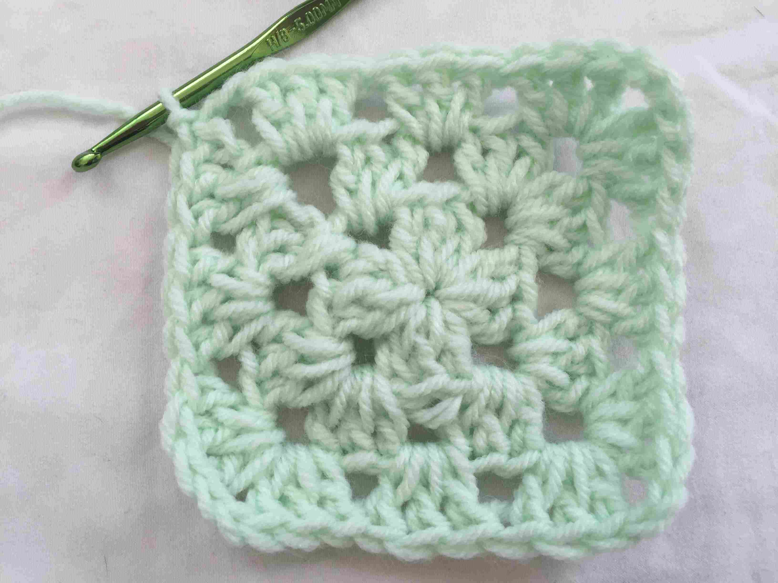 Easy free crochet patterns for beginners dt1010fo