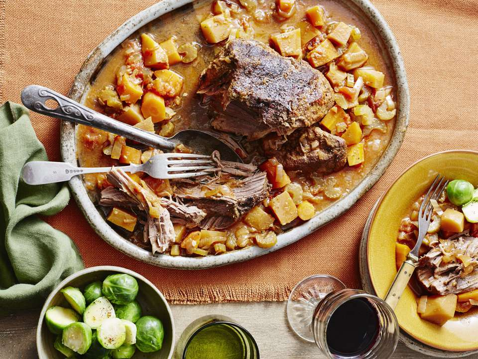 Pot roast with potatoes and vegetables