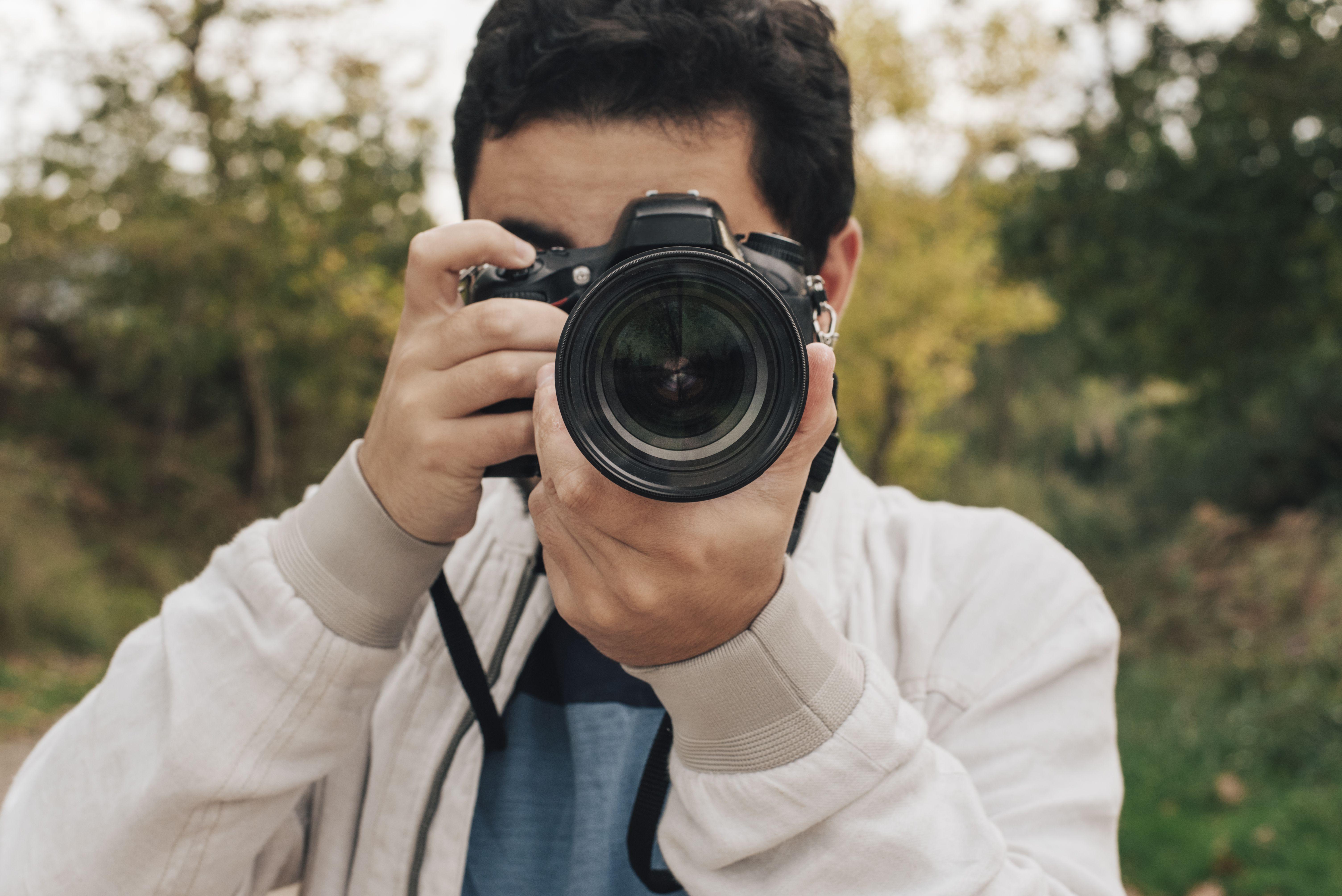 How Do DSLR Camera Buttons and Shutter Button Work?