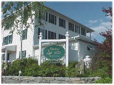 Inn at Harbor Hill Marina