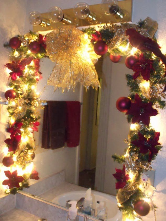 Cheerful christmas themed bathroom decor ideas for Bathroom xmas decor