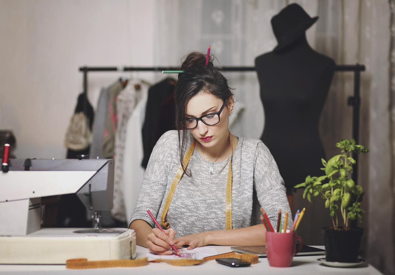 How to Become a Fashion Designer: 14 Steps (with Pictures) 3