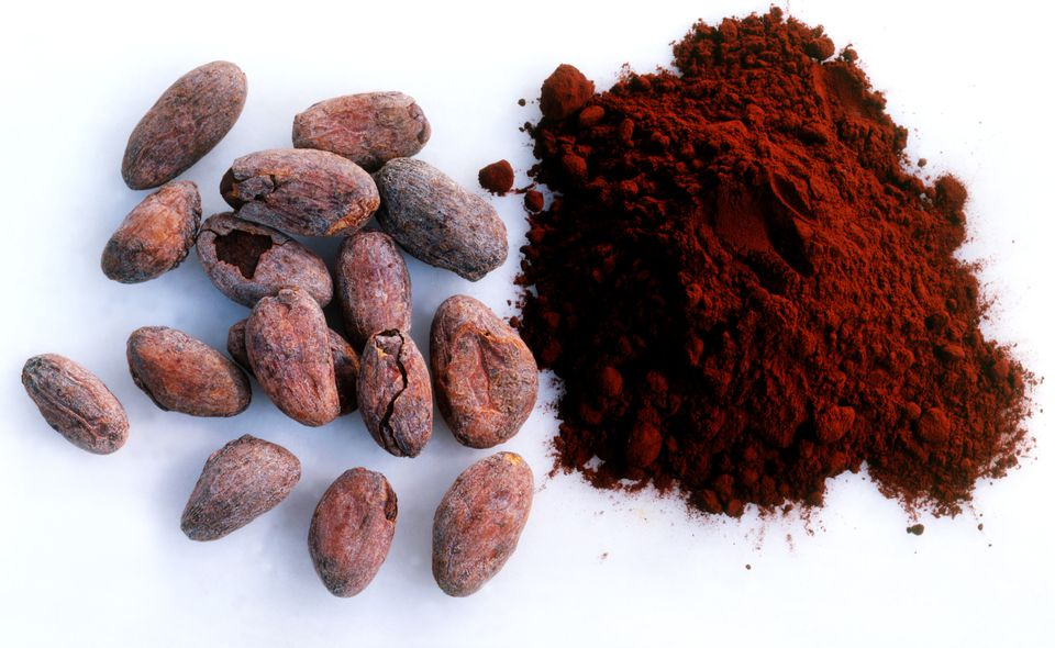 Raw cacao beans and powder