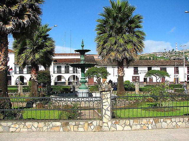 plaza_de_armas_chachapoyas.jpg