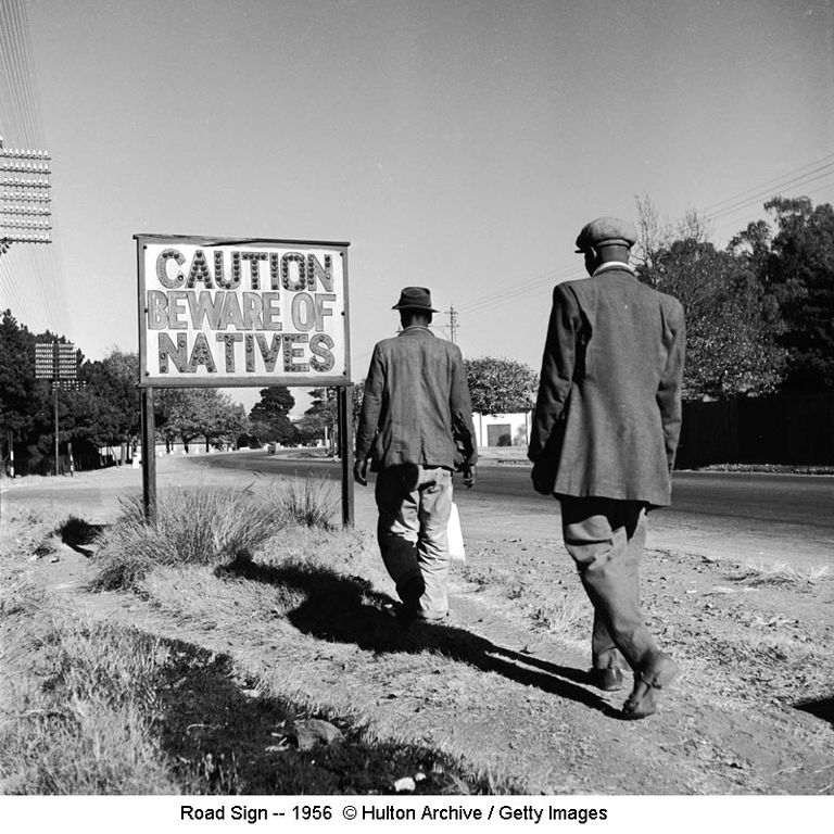 Road Sign -- 1956 © Hulton Archive / Getty Images