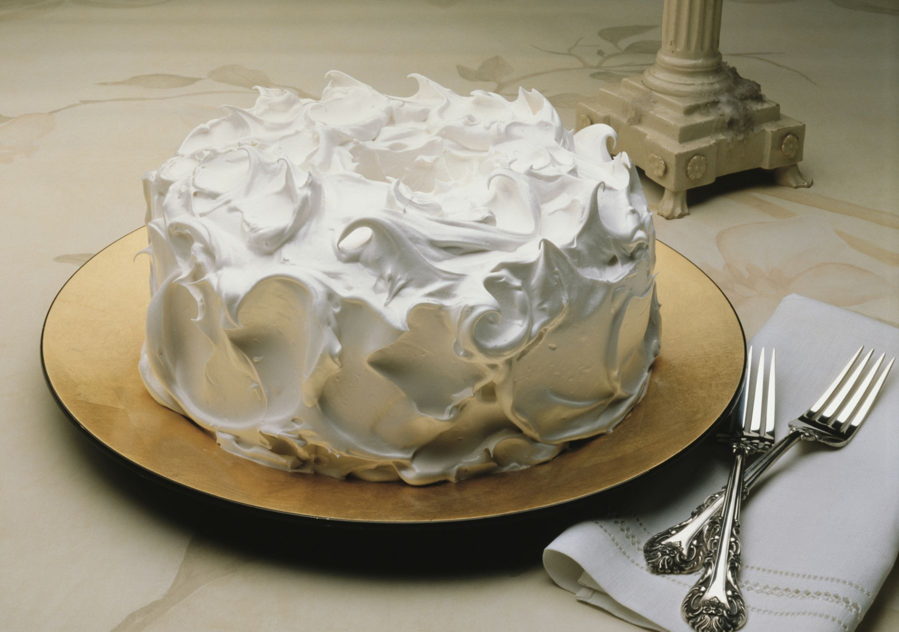 7 Minute Fluffy White Frosting Recipe