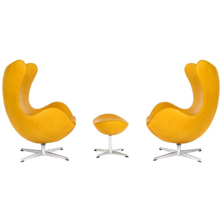 Arne Jacobsen Pair of Egg Chairs and Ottoman, c. 1960s